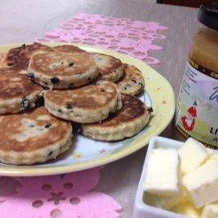 welsh-cakes-and-jam